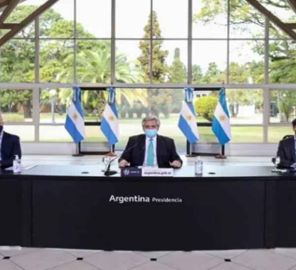 El presidente Alberto Fernández, el gobernador de Buenos Aires Axel Kicillof y el jefe de gobierno de laciudad de Buenos Aires, Horacio Rodríguez Larreta.