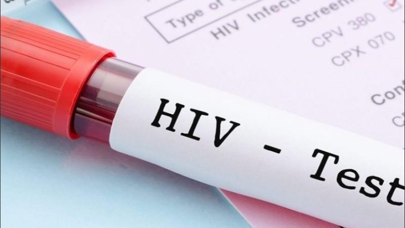 Los científicos revelaron que la carga viral de plasma sanguíneo estaba pordebajo del límite de detecciónde las pruebas más sensibles (menos de 1 copia/ml), no encontrándose virus en el intestino ni en células de la sangre periférica.