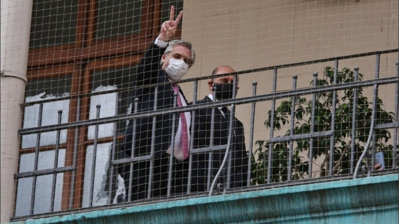 Alberto Fernández junto a Perotti durante la actividad de Capitales Alternas en Rosario