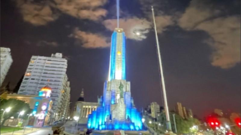 Un Monumento a la Bandera raro como encendido | Rosario3