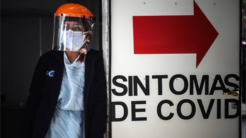 Duelo nacional por las cien mil personas fallecidas por coronavirus