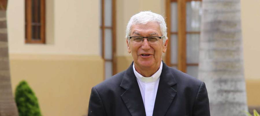 Mons. Carlos Castillo