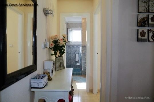 Hall to bathroom/bedroom