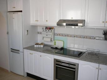 volledig ingerichte keuken (2)