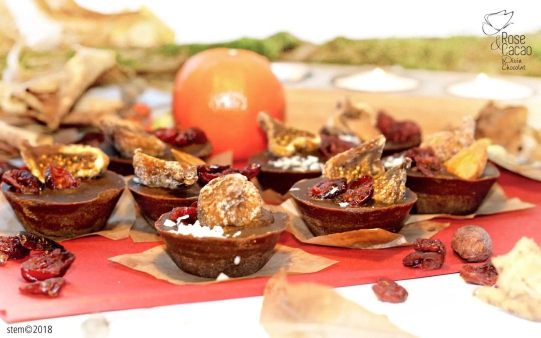 Bouchées de Noël cacao cru, fruits secs, cannelle
