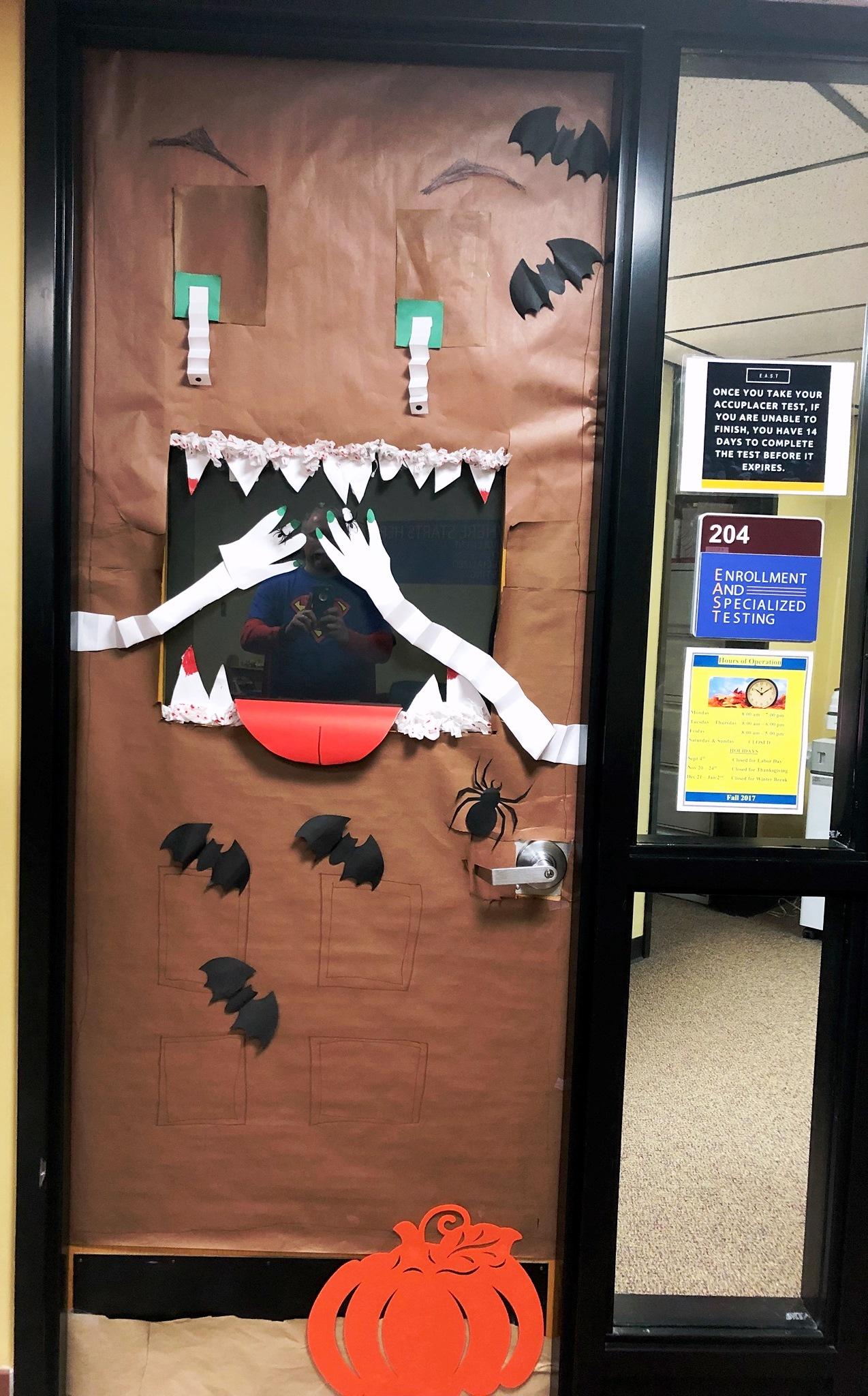 2017 Door Decorating Contest