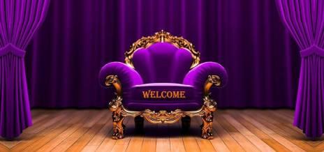 欢迎来到玫瑰色紫色扶手椅
