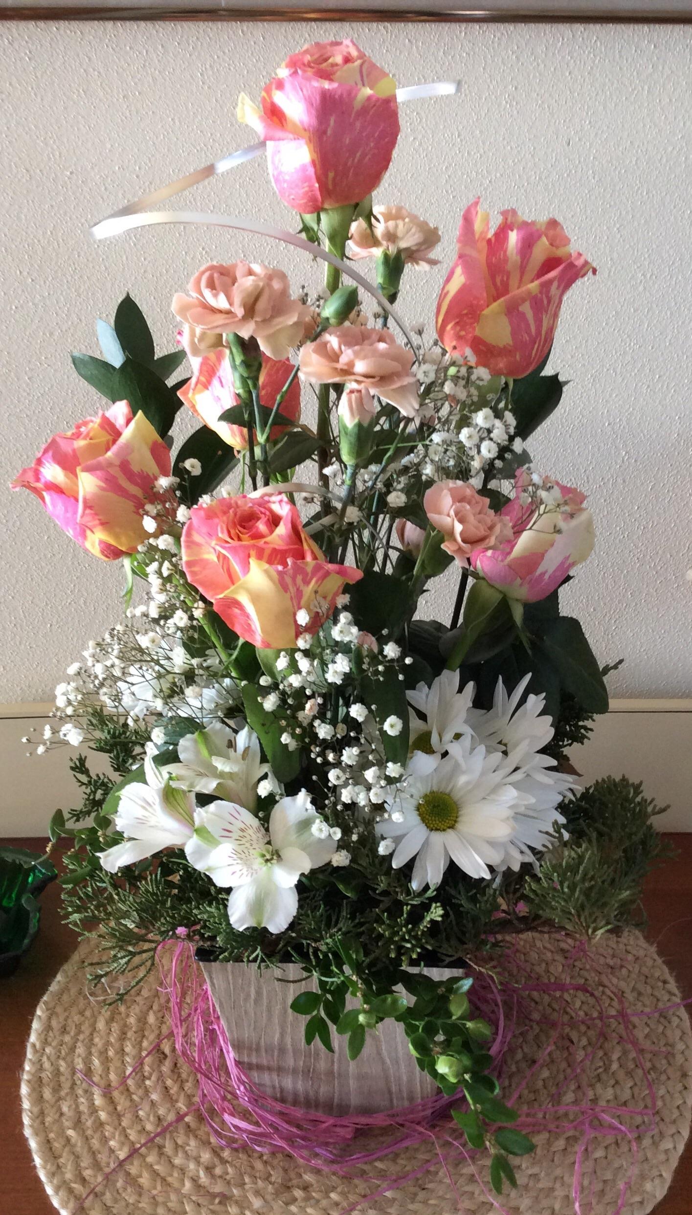 rose – Rose and Twig Floral Designs