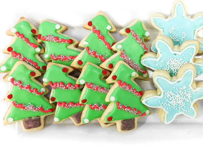 10 Cute Creative Christmas Cookies - Sugar Cookies with Royal Icing | http://www.roseclearfield.com