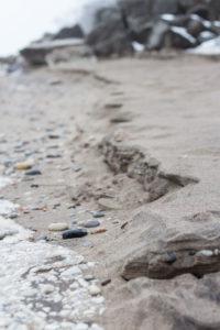 Foggy Winter Beach Vibes | https://www.roseclearfield.com