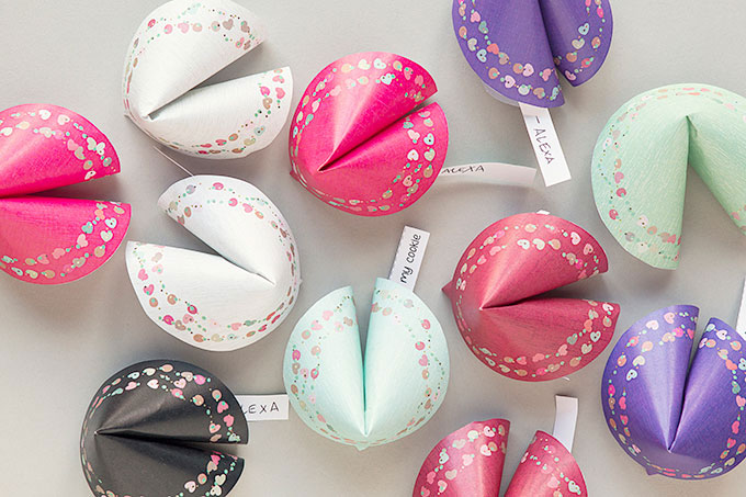 Last-Minute DIY Valentine's Day Gift Ideas - Printable Paper Fortune Cookies via Evermine | http://www.roseclearfield.com