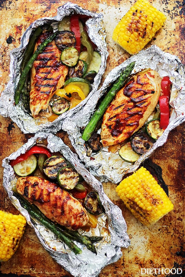 30 Healthy Days of Grilling Recipes - Grilled Barbecue Chicken and Vegetables in Foil via Diet Hood | http://www.roseclearfield.com