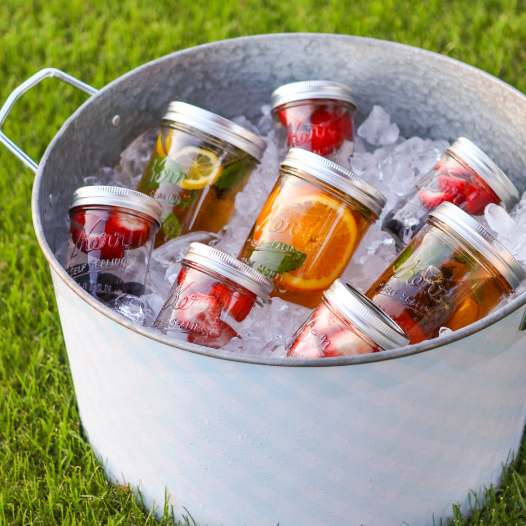 Summertime Sun Tea via Thirsty for Tea | http://www.roseclearfield.com