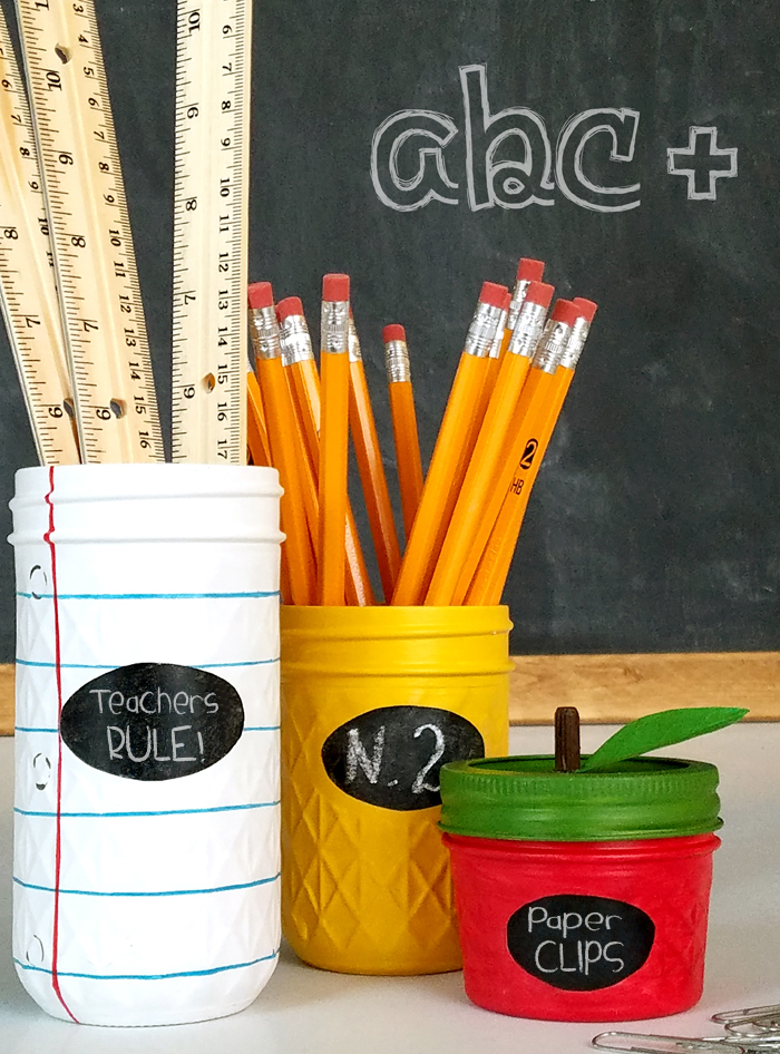 DIY Back to School Mason Jar Teacher Gifts - Notebook Pencil Apple Mason Jar Set via Lil Luna | http://www.roseclearfield.com