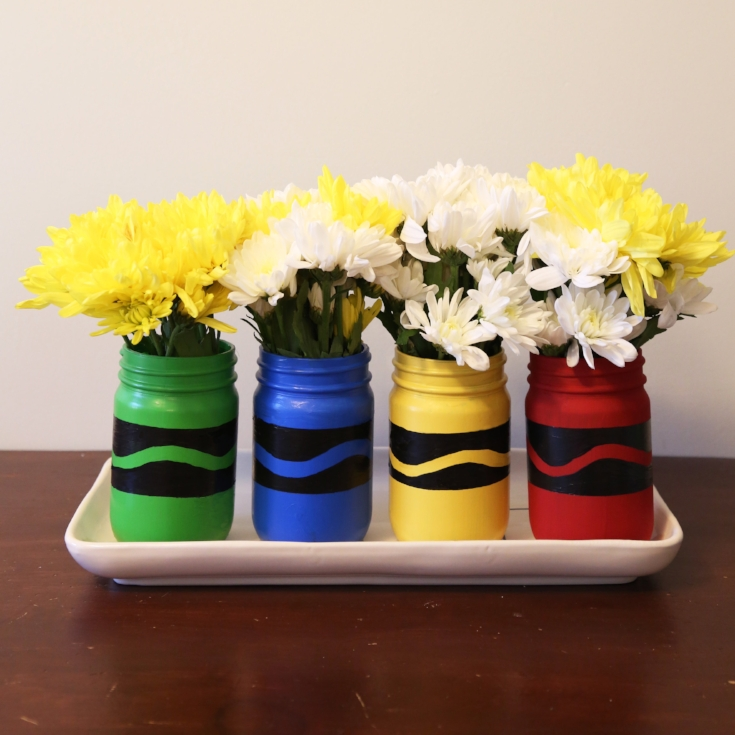 DIY Back to School Mason Jar Teacher Gifts - Painted Crayon Mason Jars via Weekend Craft | http://www.roseclearfield.com