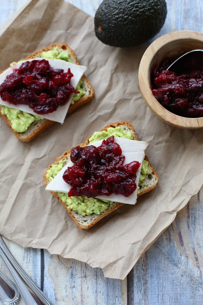 Fall and Winter Avocado Toast Recipes - Avocado Toast with Turkey and Cranberry Sauce via Seasonal Cravings | https://www.roseclearfield.com