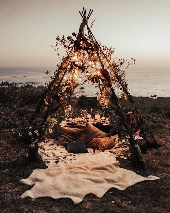 Fall Photo Inspiration - Fall Teepee on the Beach Tessa Tadlock tessatadlock via weddingchicks on Instagram | https://www.roseclearfield.com