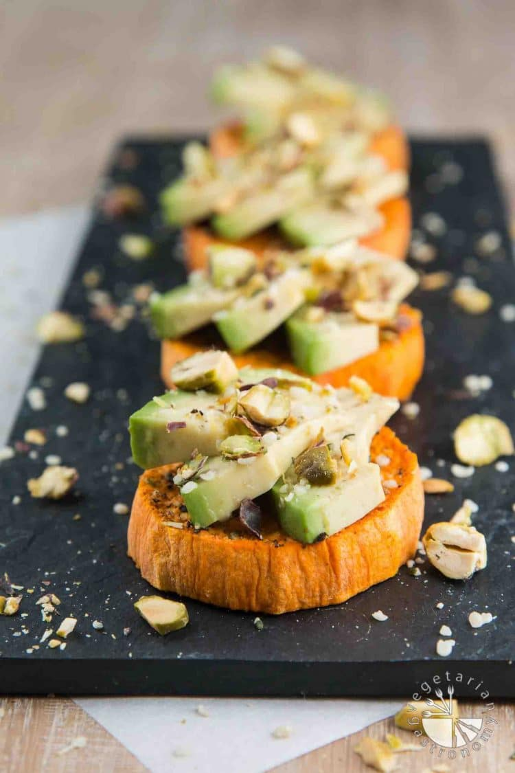 Fall and Winter Avocado Toast Recipes - Sweet Potato Avocado Toast with Hemp Seeds and Pistachios via Vegetarian Gastronomy | https://www.roseclearfield.com