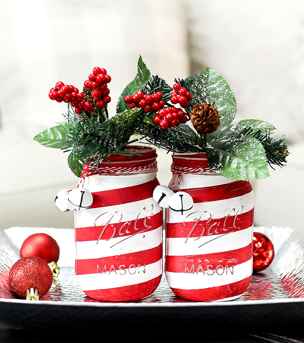 DIY Christmas Mason Jar Decor - Candy Cane Mason Jars via Mason Jar Crafts Love | https://www.roseclearfield.com