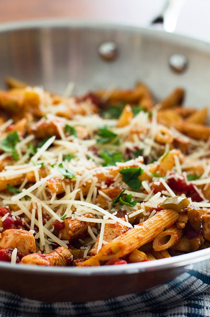 30 Healthy Dinner Recipes for Two - Easy Pasta Primavera For Two via Baking Mischief | https://www.roseclearfield.com