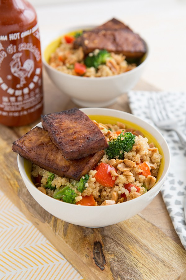 30 Healthy Dinner Recipes for Two - Peanuty Quinoa Bowls with Baked Tofu for Two via Oh My Veggies | https://www.roseclearfield.com