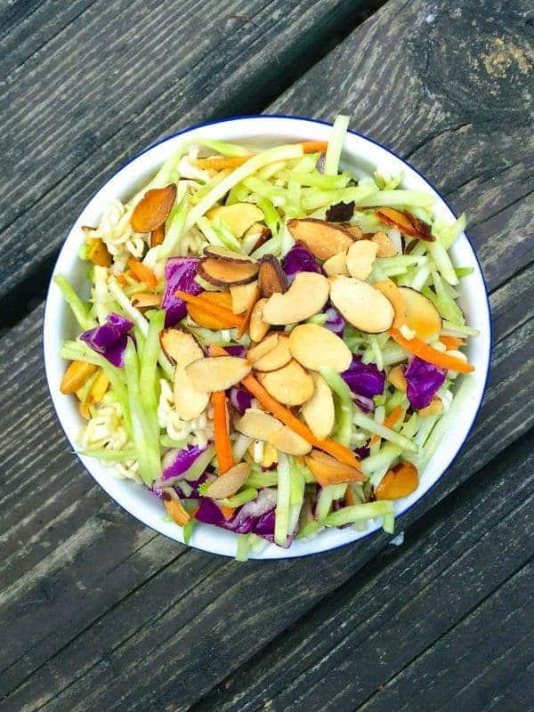 30 Healthy Ramen Noodle Recipes - Asian Ramen Broccoli Slaw via The Lemon Bowl   https://www.roseclearfield.com