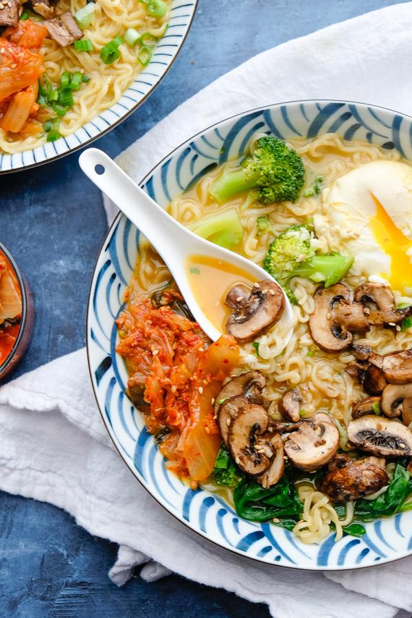 30 Healthy Ramen Noodle Recipes - Mushroom Ramen via Shutterbean   https://www.roseclearfield.com