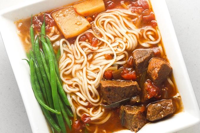 30 Healthy Ramen Noodle Recipes - Slow Cooker Beef Stew Ramen via Ahead of Thyme   https://www.roseclearfield.com