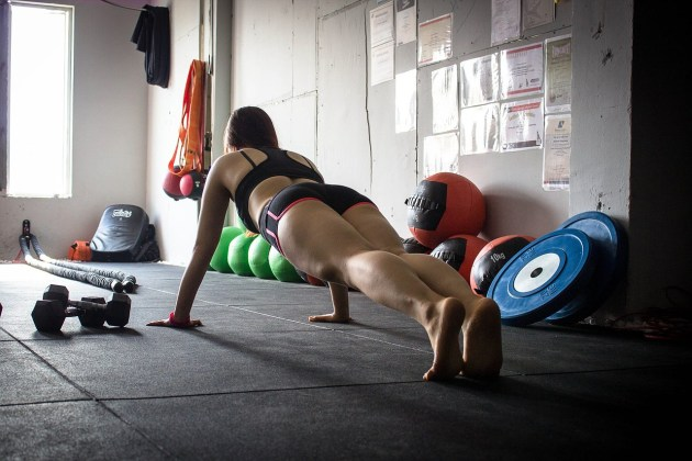 Start getting fit now with planks. | Rose Colored Water
