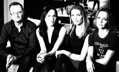 review lagu the corrs strange romance