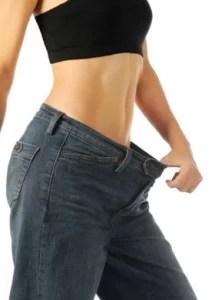 woman wearing loose pant