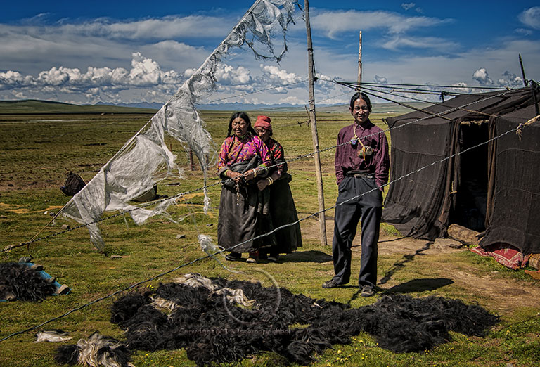 A Tibetan family outside their yak hair tent & Environmental Portrait of a Tibetan Family on the steppes ...