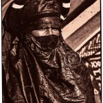 Touareg man dressed in finest indigo clothing