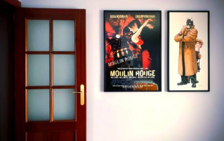Dos cuadros colgados por mí en la pared del salón.