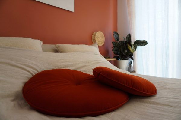 Coussin velours terracota made in france upcycling éco-responsable