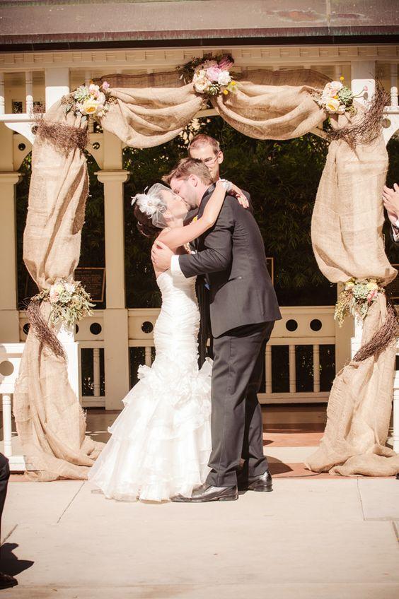 Top 20 Rustic Burlap Wedding Arches Amp Backdrop Ideas