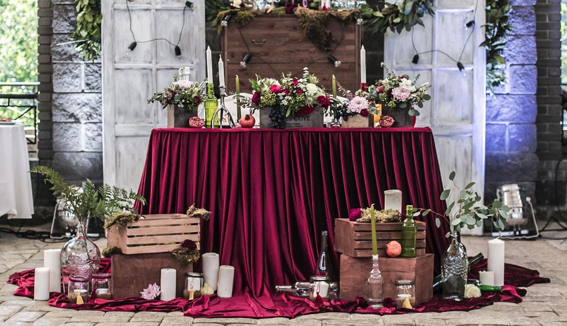 20 Fall Wedding Reception Sweetheart Table Ideas Roses