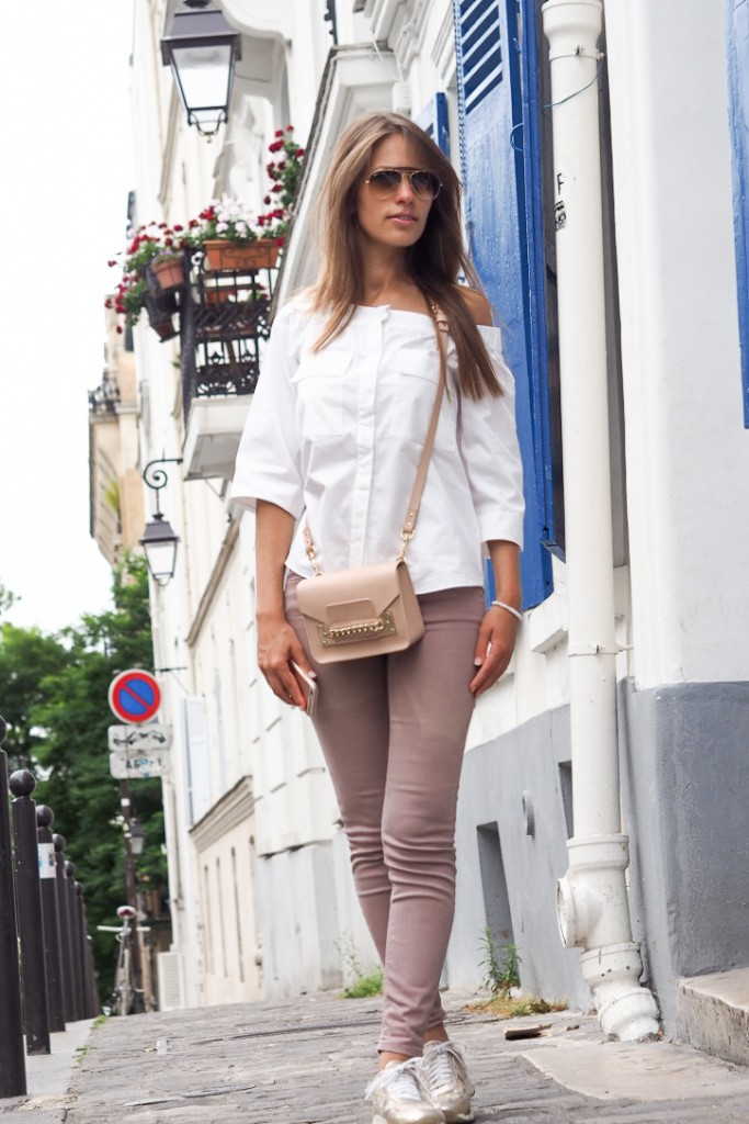 Montmartre_streets_Paris_Sacré_coeur