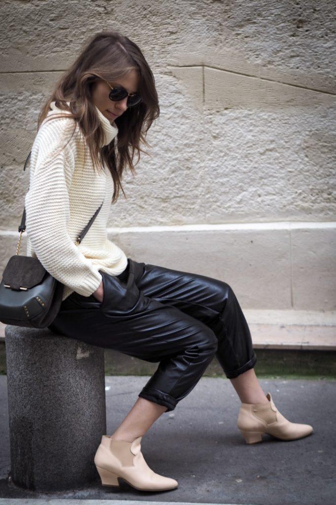 Nadia_in_Paris_rosesinparis