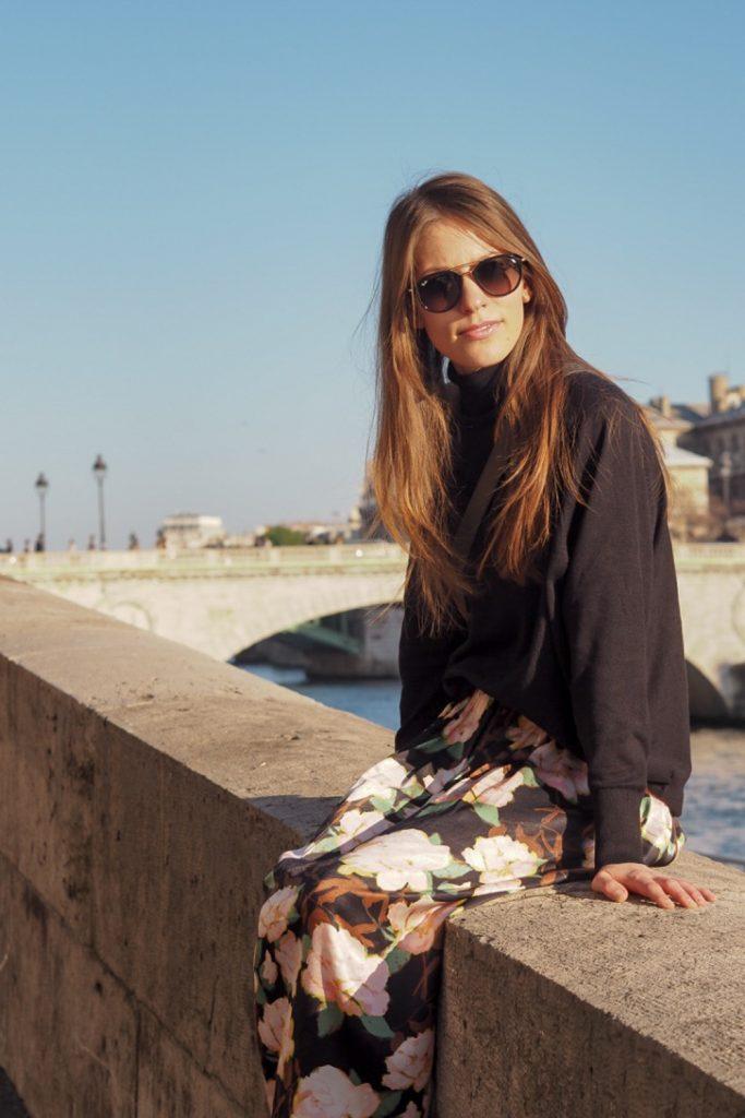 Parisien_streetstyle_look_rosesinparis