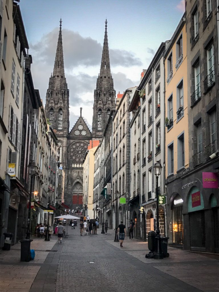 catherdral_city_center_France_rosesinparis
