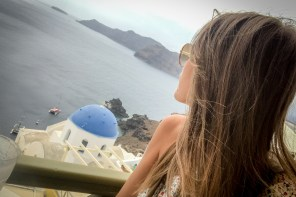 Prepare your travel to Santorini