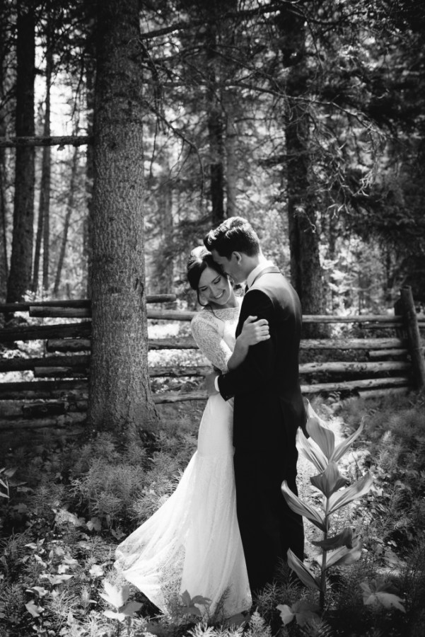 aspen-co-bride-groom-black-white