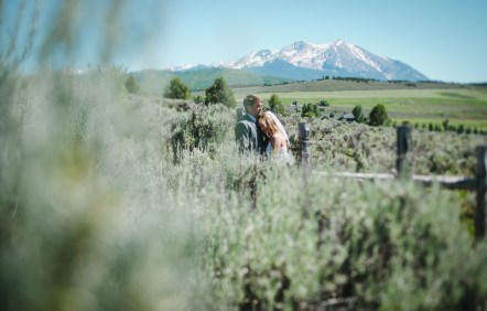 outdoor-wedding-photographer-aspen-colorado-81611
