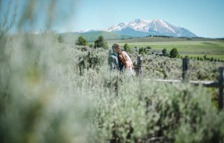 outdoor-wedding-photographer-aspen-colorado-81611