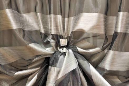 tenda grigia fantasia rigata in taffetà