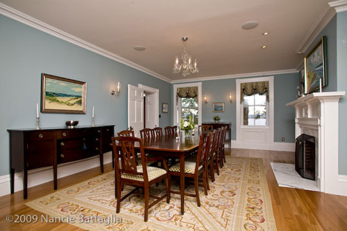 Rosslyn Dining Room (Credit: Nancie Battaglia)