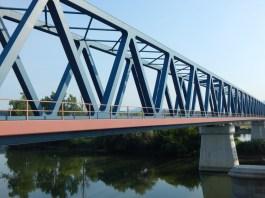 Die Eisenbahnbrücke