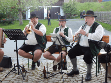 Trompeter Klaus Berger mit Ersatzmann Florian Schneider und Klarinettist Sepp Roßmeisl