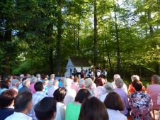 Drunter & Drüber gestaltet die Maiandacht an der Josefi-Kapelle in Moos